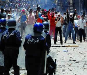amazigh algerie emeute Amazigh 2011 : Emeutes à Oran en Algerie contre la misère