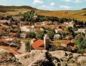 tizi ouzou kabylie 300x233 Amazigh Net :  La Kabylie Mon amour