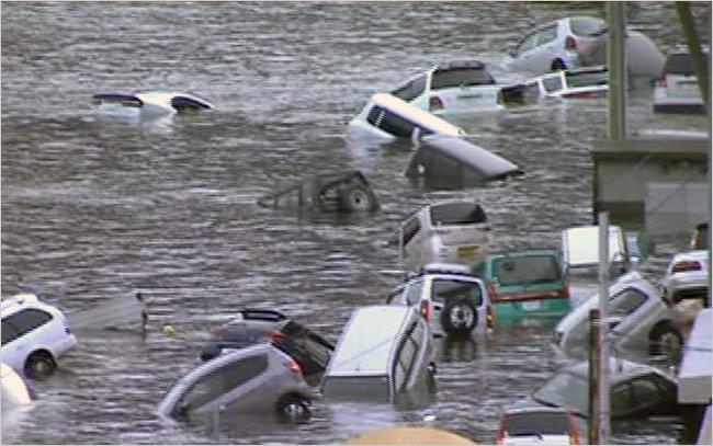 Japon: le tsunami fait des milliers de morts